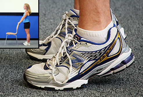 webmd_photo_of_trainer_doing_heel_raise