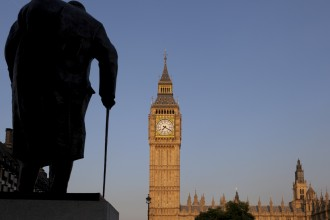 Big Ben and Churchill Statue at sunset 04