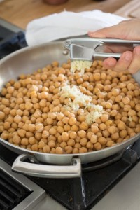 how to quickly cook dried chickpeas