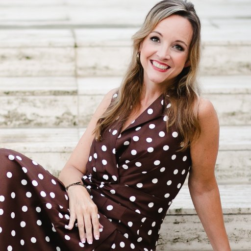 013 – Broke and Overweight – She Changed Her Mind to Change Her Life and Become America's Best Female Speaker and A Mom Who Has It All